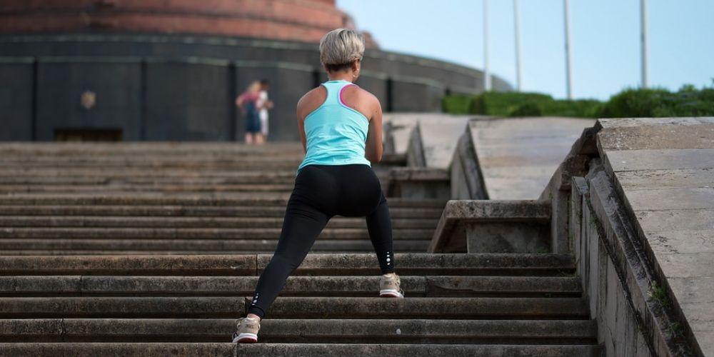 El volumen de aire contaminado que entra en el organismo es mayor durante la práctica del ejercicio físico en el exterior
